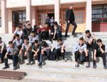 40 öğrenci zehirlenme şüphesiyle hastaneye kaldırıldı