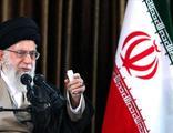 İran Dini Lideri 10 bin mahkum için af kararı çıkarttı