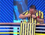 Cem Yılmaz'dan Beşiktaş'a destek