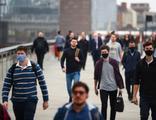 İngiltere'de yeni koronavirüs kısıtlamaları açıklandı