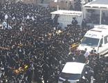 Korkutan kalabalık! Cenazeye binlerce kişi katıldı