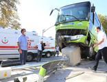 Kocaeli'de ticari araç ile otobüs çarpıştı! 7 yaralı