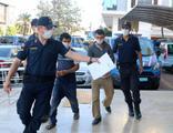 Avokado hırsızları çaldıklarını satamadan yakalandı