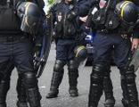 Paris'te bıçaklı saldırı dehşeti!