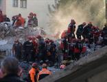İzmir depremiyle ilgili 9 gözaltı!