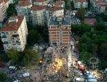 Bakan Kurum: Binası az hasarlı olanlar evlerine girebilir