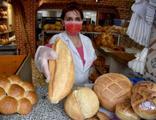 Ekmek zammı tepkisi: Karar çıkmadan 2 lira oldu