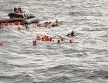Akdeniz'de facia! Can kaybı 100'e yükseldi