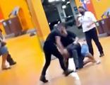 Süpermarkette siyah bir adam dövülerek öldürüldü!