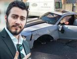 Enes Batur kaza yaptı... Otomobili kullanılamaz hale geldi!