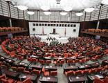 Mecliste 'bedelli askerlik yapan milletvekili' tartışması