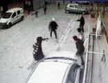 Esenyurt'ta sokakta pompalı tüfekle dehşet saçtı