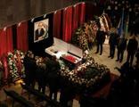 Virüse davetiye! Cenaze törenine 110 bin kişi katıldı