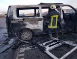 Minibüste soludukları çakmak gazı patladı: 3 yaralı