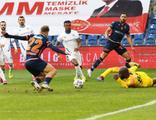 Başakşehir 7 maçlık galibiyet hasretine son verdi