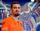 Başakşehir'in yeni transferi formayı sırtına geçirdi