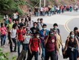 Göçmenler yola düştü, Biden'a 'harekete geç' çağrısı geldi