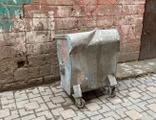 Bu nasıl vicdansızlık! Çöp konteynerinde bulundu