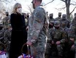 First Lady ilk iş askerlere teşekkür etti