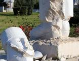 Antalya'da yine heykellere saldırı