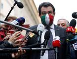 Conte, göçmen düşmanı Salvini için ifade verdi