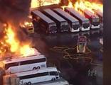 Otobüs garajında korkunç yangın kamerada