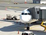 Rus sporcular ısrarla maske takmadı, uçağa polis çağırıldı
