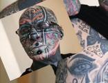 72 yaşında, vücudunun yüzde 98'i dövme!