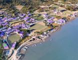 Adalar turist çekmek için mor renge boyandı!