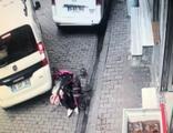 Sürücünün dikkati bebeği kurtardı