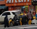 Sürücülerin tekmeli tokatlı kavgası kamerada
