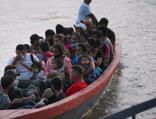 Yerlerde yatıyorlar! İnsan kaçakçılarına davetiye tartışması