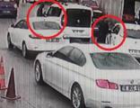 Aracını çaldıkları kadını sürüklemişlerdi! Yakalandılar