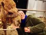 Binnur Kaya 'Paşa' deveyi kurtardı