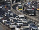 Tam kapanma dünya basınında: Şehirleri terk ediyorlar!