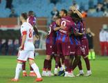 Trabzonspor, Antalyaspor'u 2-1'le geçti