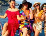 Birlikte tatile çıktılar! Teknede böyle eğlendiler