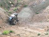 Kamyonet şarampole uçtu: 2 ölü, 4 yaralı