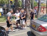 Antalya'da sürücülerin yol verme kavgası kamerada