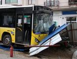 Kağıthane'de İETT otobüsü kaza yaptı!