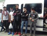 'Dur' ihtarına uymayan minibüsten 35 kaçak çıktı!