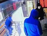 Şişli'de silahlı soygun girişimi kamerada!