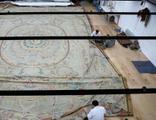 Dolmabahçe Sarayı'nın tarihi halısı restore ediliyor