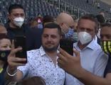 Ali Koç'la selfie yarışı