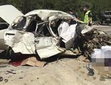 Düğün yolunda feci kaza: 5 ölü