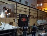 İzmir'de makaron ve kaçak sigara operasyonu