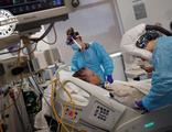 ABD'de insanlar hastane kapılarında beklediği için ölüyor!