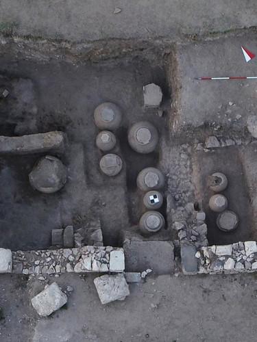 Amorium Antik Kenti'nde Bizanslılar'dan kalma  içi buğday dolu tahıl ambarı bulundu