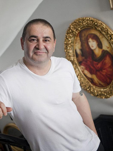 Şafak Sezer 9,7 milyonluk villasını satışa çıkardı