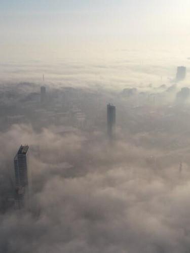 İstanbul güne böyle başladı! Sis içerisinde adeta kayboldu